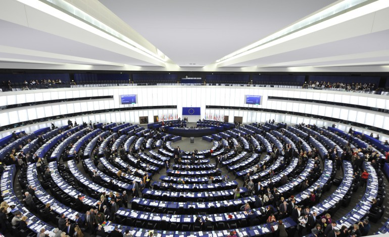 Parlamentul European: Toți lucrătorii trebuie tratați în mod egal