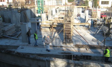 Bucureştiul, făcut praf de 600 de construcţii ilegale