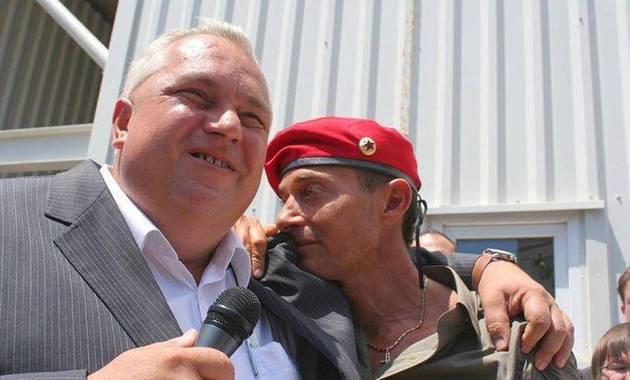 Nicușor Constantinescu i-a făcut albie de porci pe polițiști