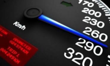 Vitezoman prins conducând pe A2 cu peste 200 km/h
