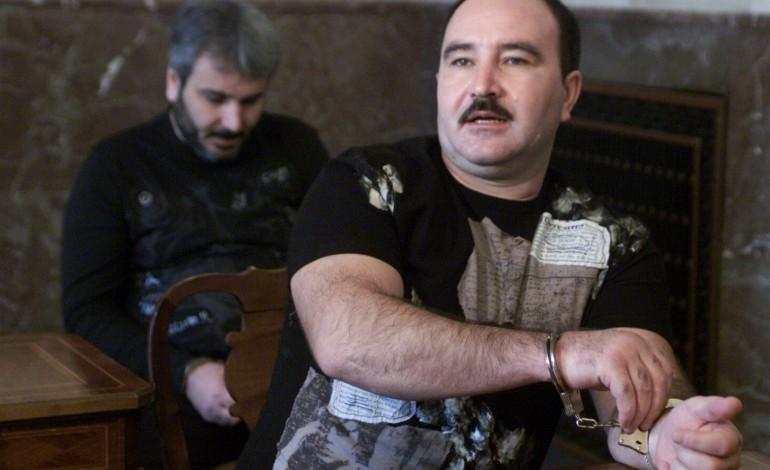 EXCLUSIVITATE! Comisar din Poliţia Capitalei, şef peste capii mafiei din Bucureşti