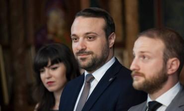 Justițiarul Andrei Tinu a fost năşit de un afacerist dubios